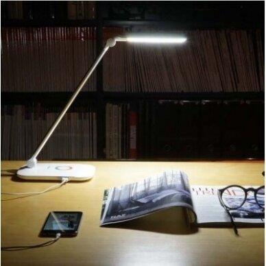 STALINIS LED ŠVIESTUVAS SU USB JUNGTIMI 3